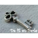 Breloque clé 17x8 Argentée - 25x0.36€