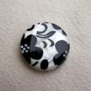 Perle en nacre 20mm Fleurs noires